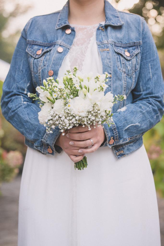 Mariage Meghane-bouquet-robe