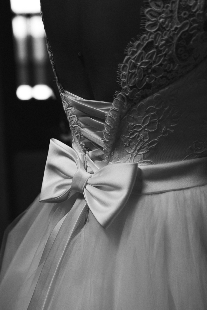 Mariage Emmanuel Amandine-Preparatif-detail-robe