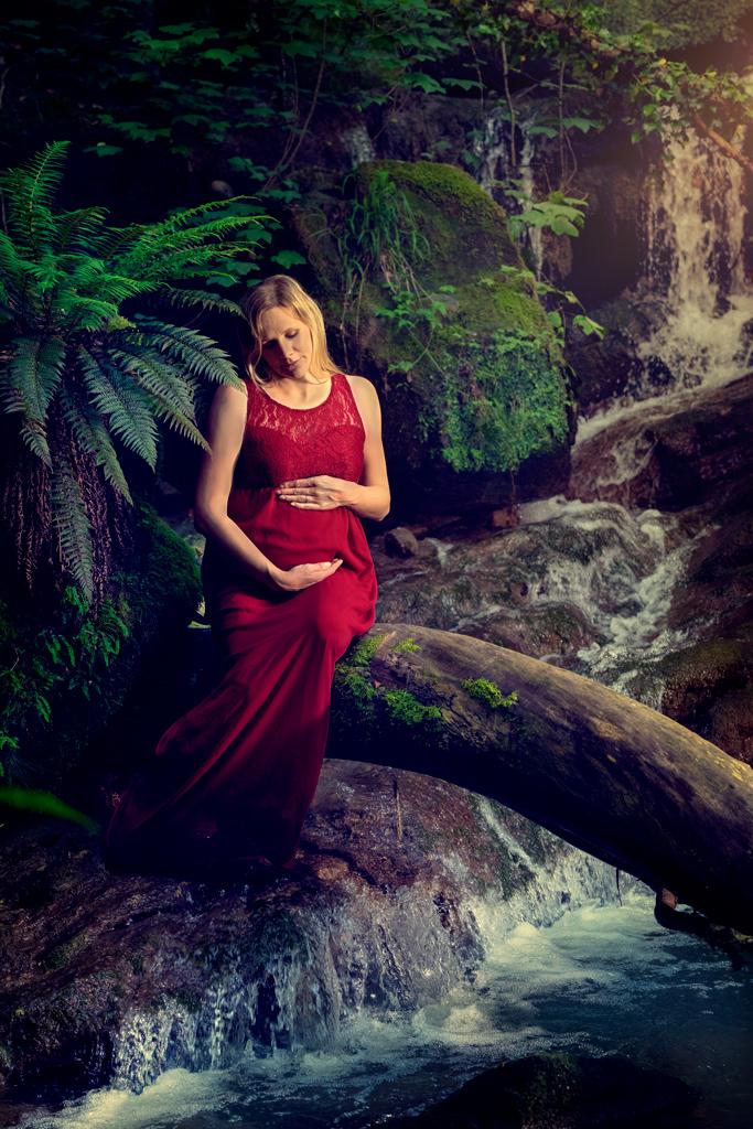Alexia-séance photo-grossesse-exterieur-cascade-pers-jussy